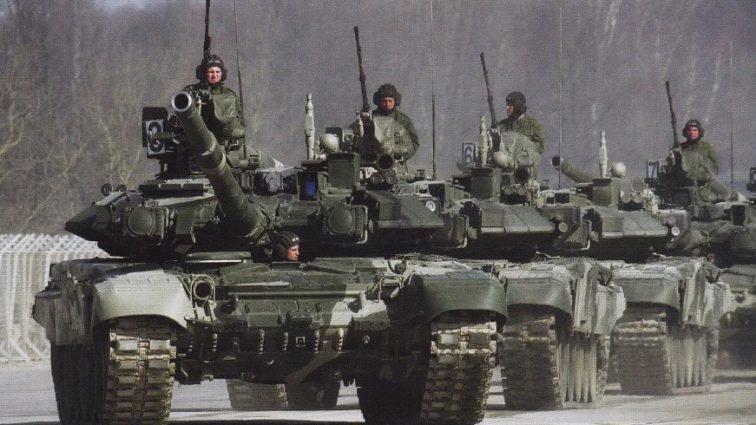 Россия стянула военные эшелоны под границу! Офицер сделал срочное заявление