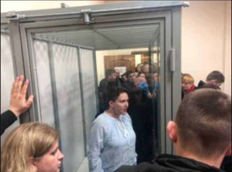 Савченко неожиданно вернули в столицу: Дают борщ с плохим мясом, у заключенных от него рвота