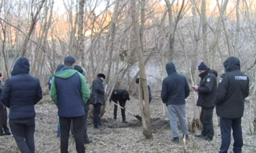 Избили и закопали живьем: нашли тело без вести пропавшего мужчины