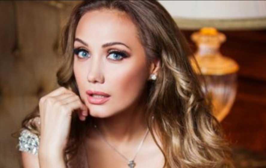 «Многое мне пришлось принять»: Евгения Власова заинтриговала изменениями в жизни