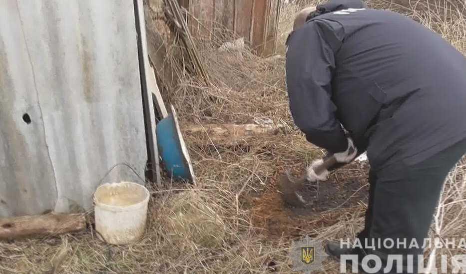 Надела пакет на голову и закопала еще живой: рассказали ужасные подробности убийства младенца в Одесской области