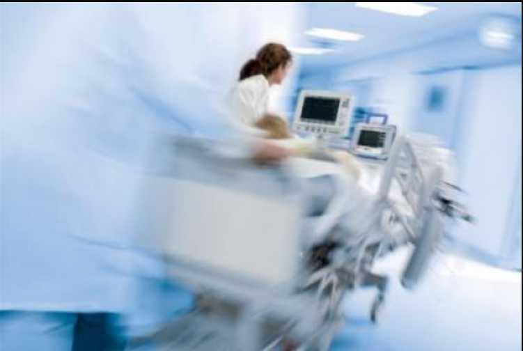 Впал в кому: кумира миллионов госпитализировали с инсультом