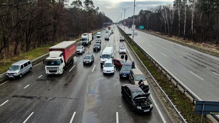 Масштабное ДТП под Киевом: На Бориспольском шоссе столкнулись девять автомобилей