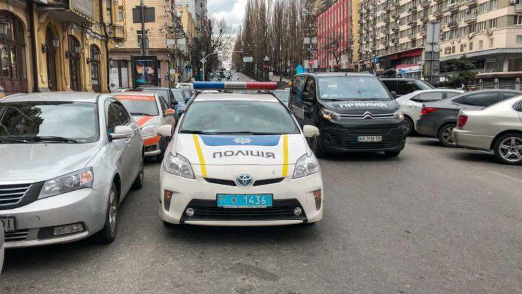 За поездку в такси едва не заплатил жизнью: водитель пытался задушить пассажира ремнем безопасности