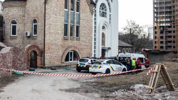 Стало известно, кто он. У входа в церковь обнаружили зверски убитого работника Администрации Президента