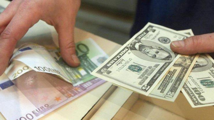 «Гривна, ты куда?»: Официальный курс валют на сегодня, который откровенно удивляет