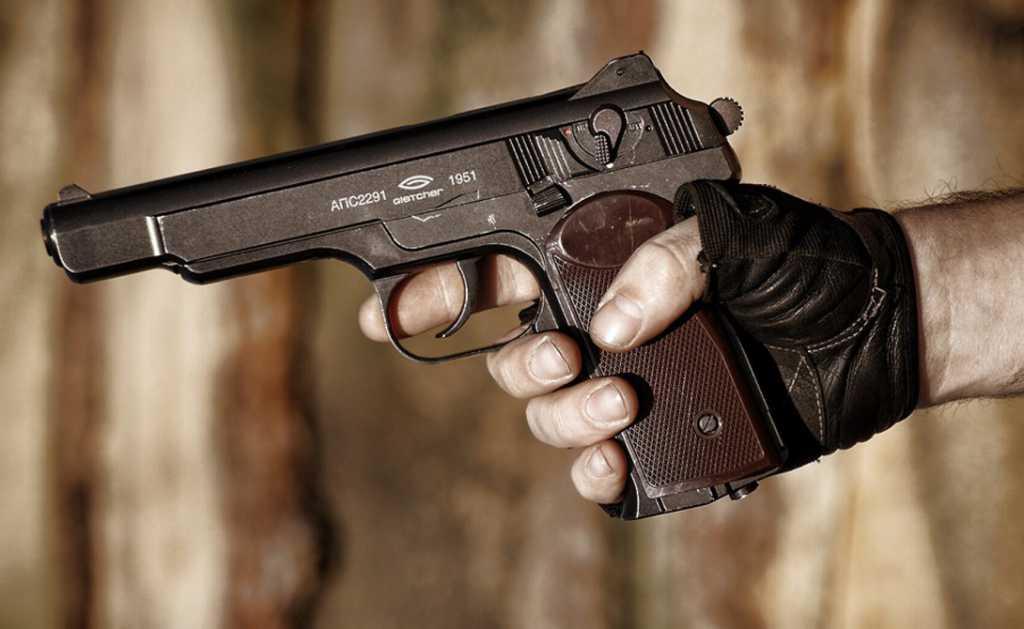 Напился и стрелял прямо по людям: депутат горсовета в неадекватном состоянии устроил стрельбу в кафе