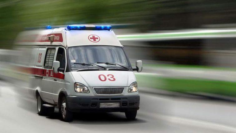 Прямо на руках врачей: во время игры в футбол умер студент-медик