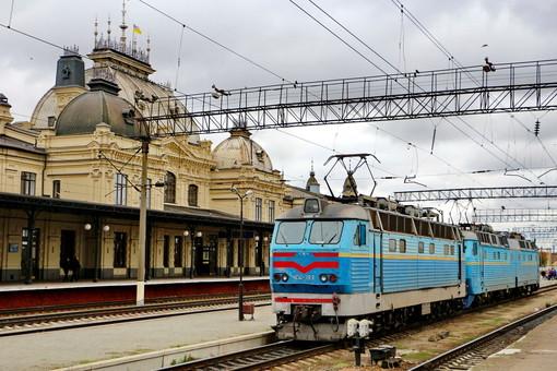Пассажирские двухсистемные электровозы и многое другое: что готовит «Укрзализныци» для граждан уже в ближайшее время