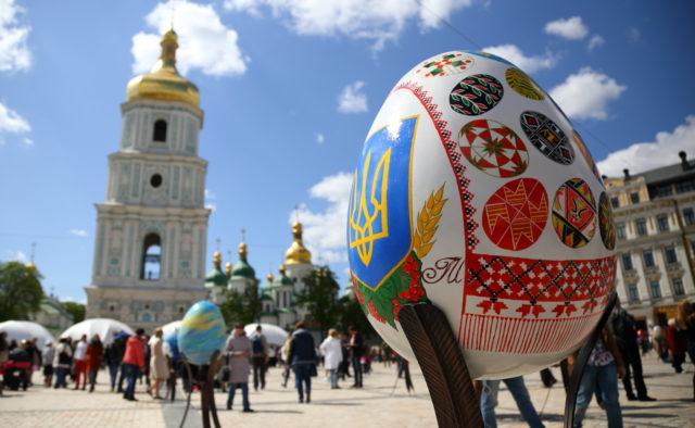 На Западе будут дожди и +25: Погода в Украине на Пасхальные выходные