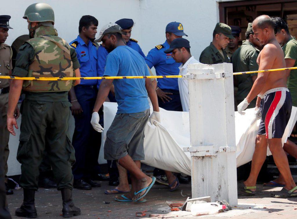 Комендантский час и запрет соцсетей: Жителей Шри-Ланки призвали готовиться к новым терактам