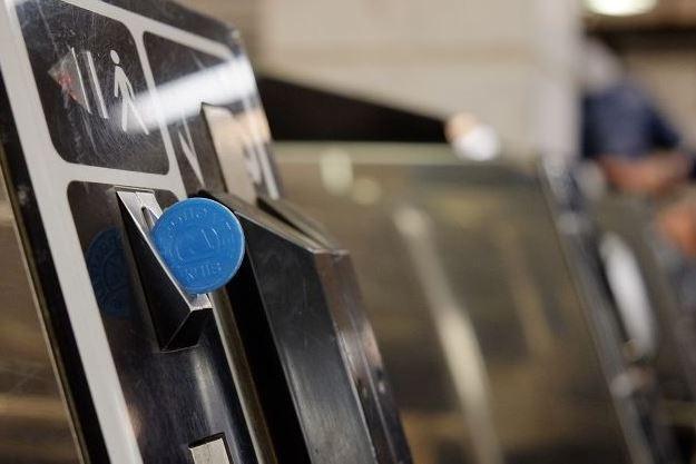 Жетоны полностью исчезнут: что нового приготовили для пассажиров метро