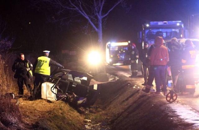 «От удара мотор отбросило на десятки метров»: В жуткой ДТП в Польше погибли двое украинцев
