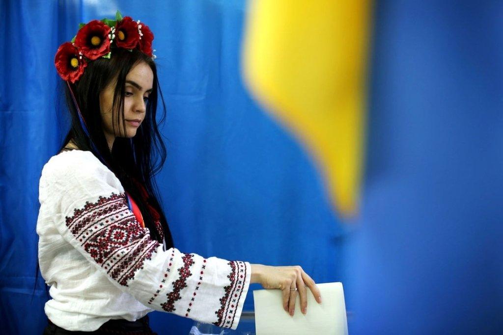Больше всего поддержали Порошенко, Зеленского и Гриценко: как проголосовали украинцы в других странах