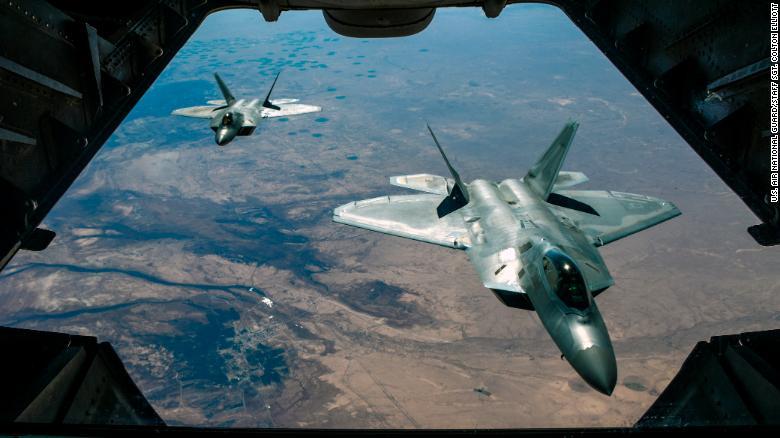 США подняли в небо военную авиацию над Крымом: что случилось