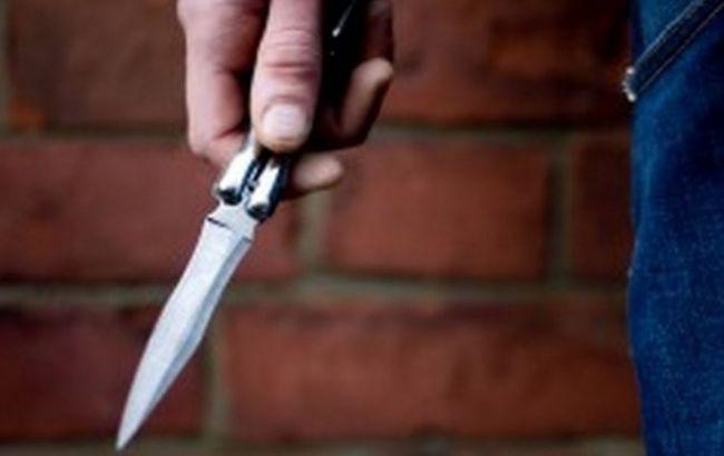 Устроил поножовщину посреди школы: в Москве один из учеников напал на одноклассников