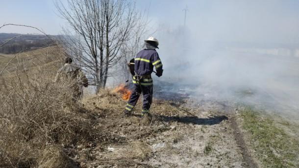 Горелая трава забрала жизнь: в Пожаре под Киевом погиб человек