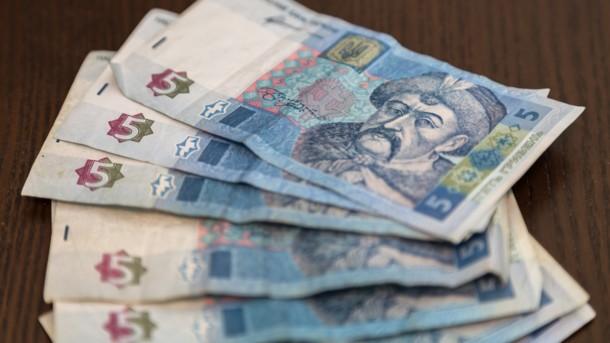 Между первым и вторым туром: как изменится цена на доллар