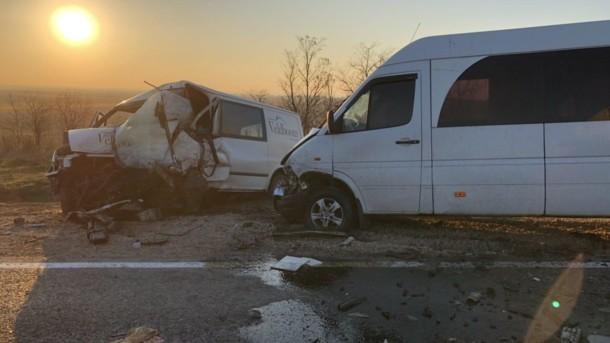 Смертельное ДТП в Одесской области: микроавтобус перевернулся