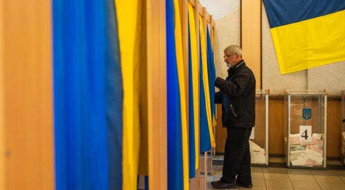 В Украине начался второй тур выборов президента: что нужно знать о голосовании