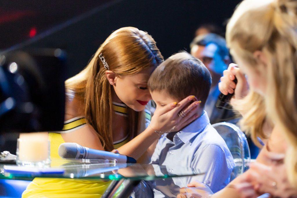 «Были растроганы до слез»: Тина Кароль осуществила мечту 8-летнего мальчика на глазах у миллионов зрителей