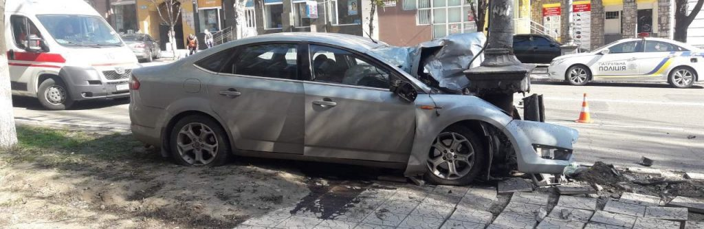В результате страшного ДТП в центре Мариуполя погиб политик