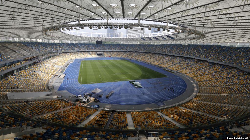 «Стадион, так стадион. Дебатам быть!»: Штабы Порошенко и Зеленского подписали соглашение с «Олимпийским»