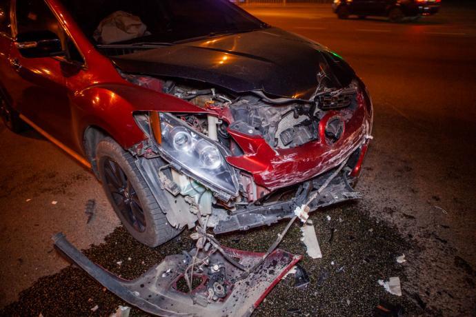 ДТП и ночная погоня от полиции в Днепре: пострадала молодая девушка