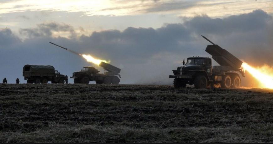 Танки и град. Оперативная группировка России уже на Востоке! Тымчук сделал срочное заявление