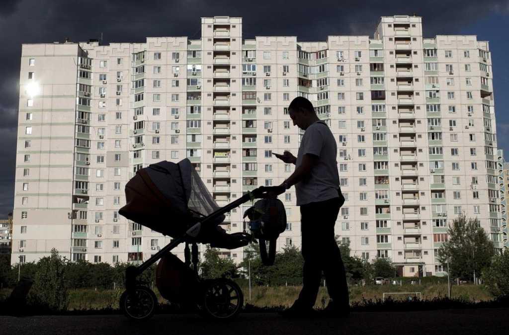 Многодетные семьи уже могут оставлять заявки на выплату пособий