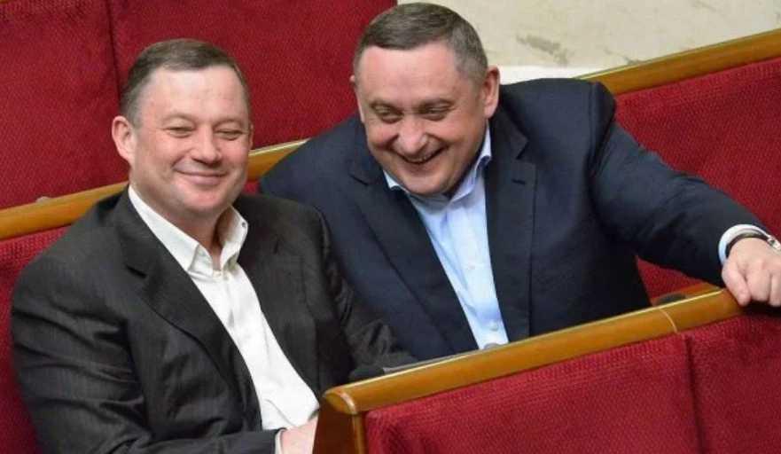 «Под солнечные электростанции»: Олег Синютка выделил фирмам братьев Дубневичей почти 10 га.земли