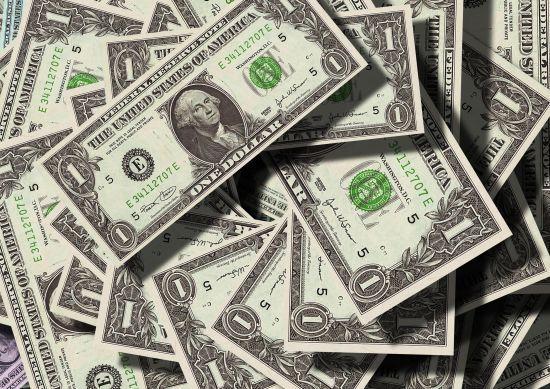 Курс валют на выходных изменится: установлена цена «зеленого»
