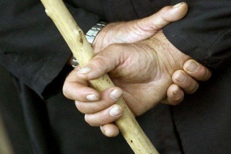Убил и лег спать: На Франковщине пьяный мужчина палкой забил до смерти 30-летнюю женщину