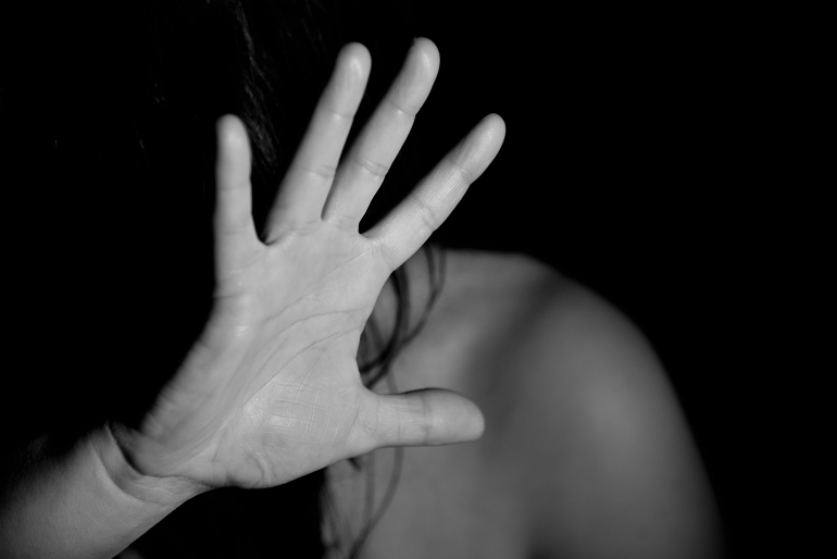 «А потом решил совершить самоубийство»: На Николаевщине мужчина пытался изнасиловать несовершеннолетнюю соседку