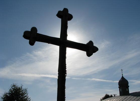 Психически больной мужчина разгромил одну из главных святынь Украины