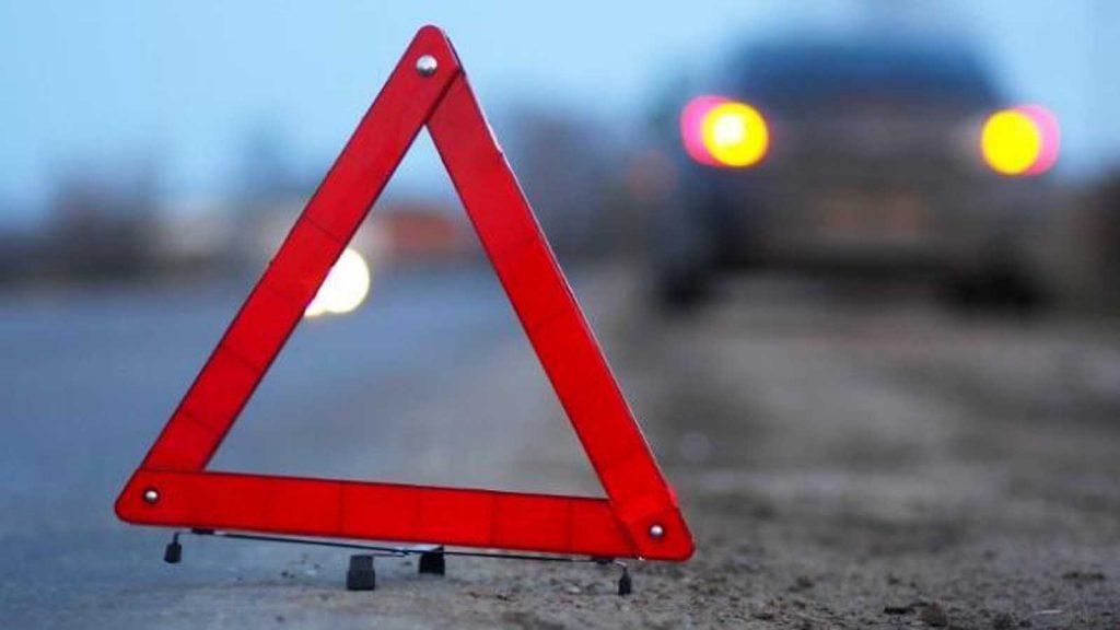 Девочка пролетела больше пяти метров и упала, не приходит в сознание: страшное ДТП в Киеве