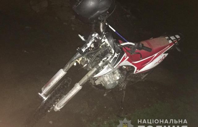 Смертельное ДТП на Закарпатье: Катаясь на мотоцикле погиб 14-летний парень, другие подростки травмированы