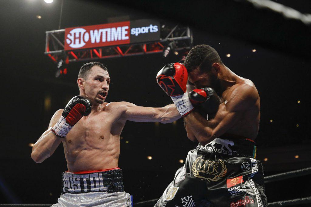 Украинский боксер Постол выборол победу у Мимуна