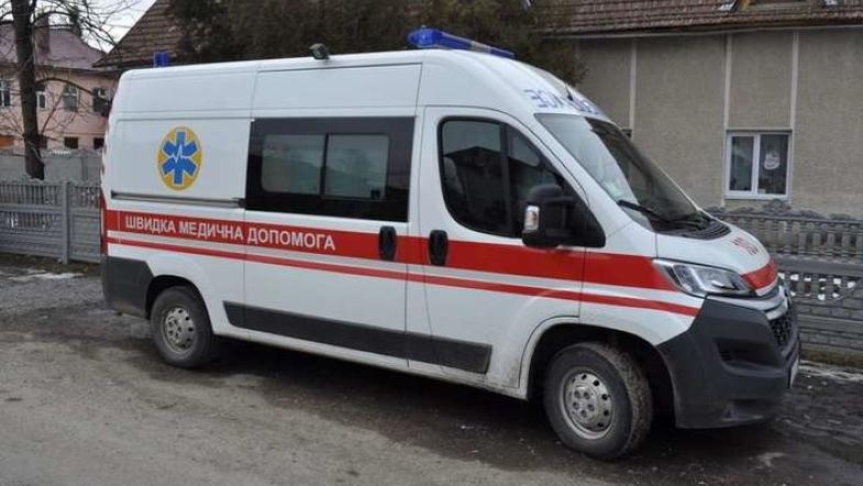 Трагедия в Киевской школе: бетон упал ребенку прямо на голову