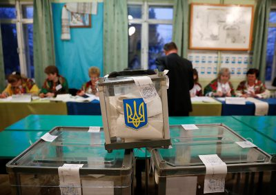 «Успел получить бюллетень и проголосовать»: на избирательных участках умерли два человека