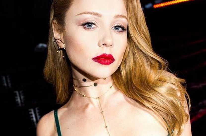 «Украинская Барби»: Тина Кароль очаровала новым образом