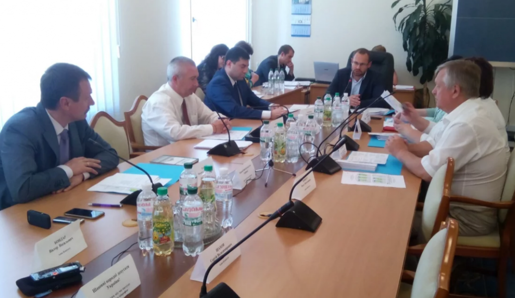 «Рада будет выбирать из 7 предложенных постановлений»: Регламентный комитет принял решение об инаугурации Зеленского