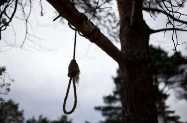 «Одели в женскую одежду и повесили»: Жуткое убийство мужчины ошеломило целый район