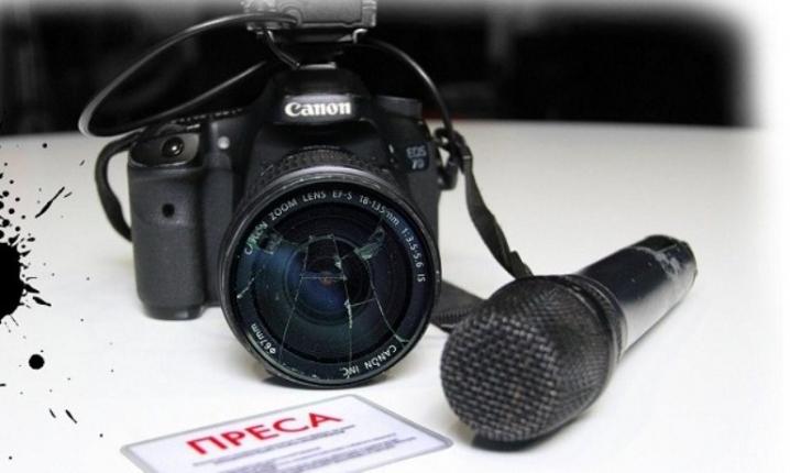 Сломали палец, побили камеру и отобрали документы: на Волыни напали на журналистов