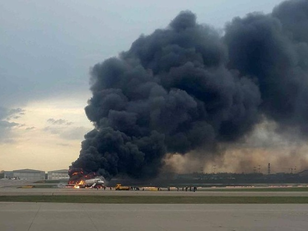«Нормально сел, с огоньком», — сотрудники Шереметьево цинично высмеяли посадку самолета, в котором погибли люди