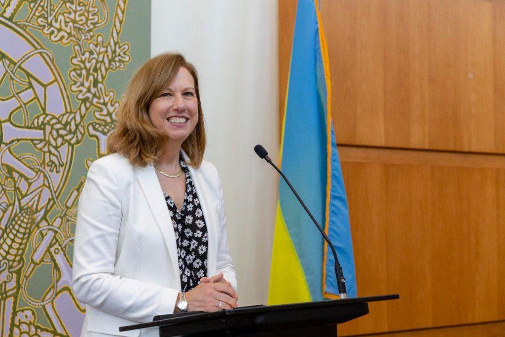 Вместо Йованович: в Украину прибыла временный поверенный в делах США