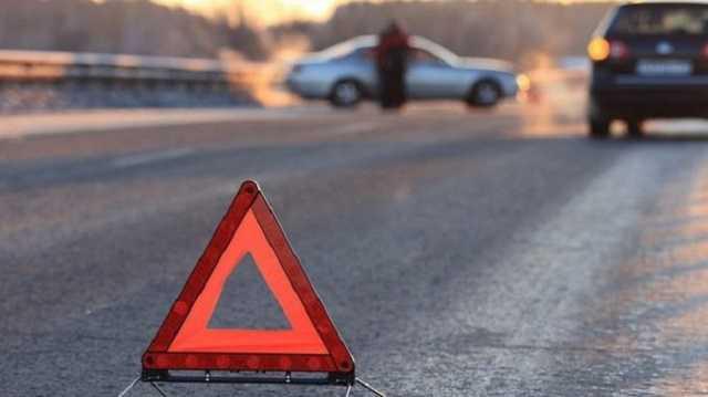 Сбил 4-летнюю девочку с отцом и влетел в забор: жуткое ДТП в Киеве