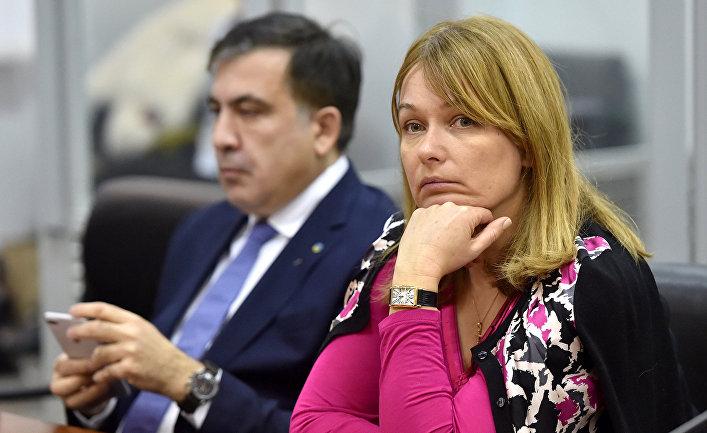 «Трое из них бывшие правоохранители»: В Грузии напали на жену Саакашвили, которая баллотируется в мэры