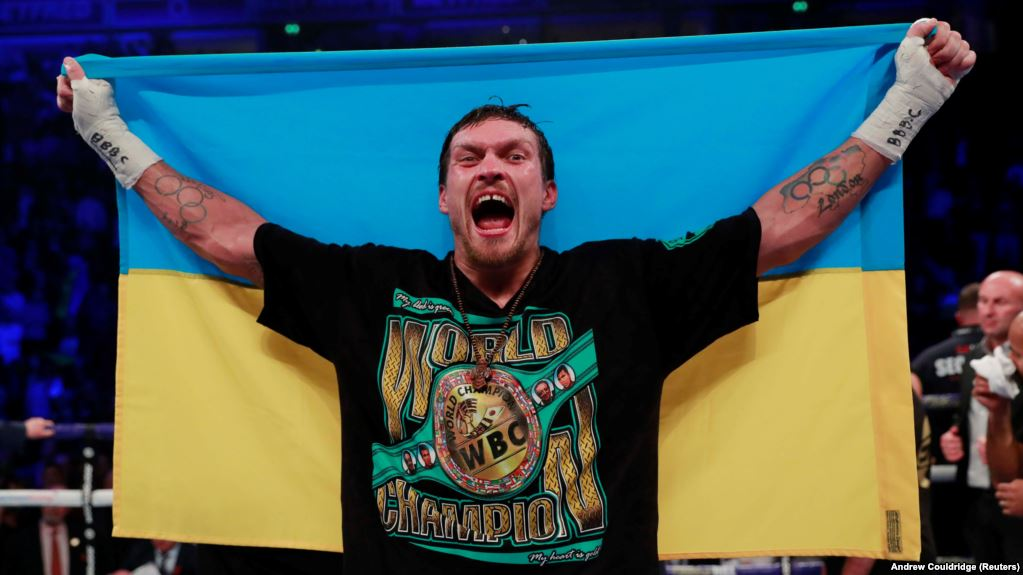 «Вынужден»: Александр Усик не дебютирует в супертяжелом весе 25 мая. Что происходит?