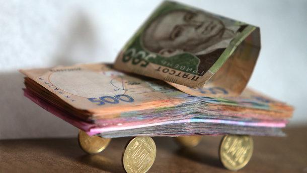 Более 10 000 гривен: В Украине снова выросла средняя зарплата